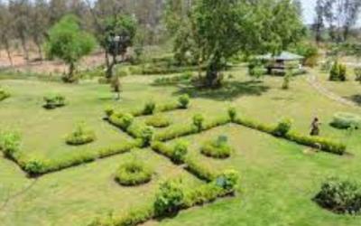 Nakshatra garden – नक्षत्र गार्डन के पास स्थित कुछ सूंदर जगह